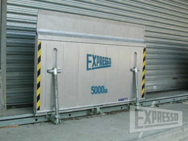 Aluminium sliding drawbridge leveller & Aluminium sliding drawbridge leveller   Contact EXPRESSO France SAS