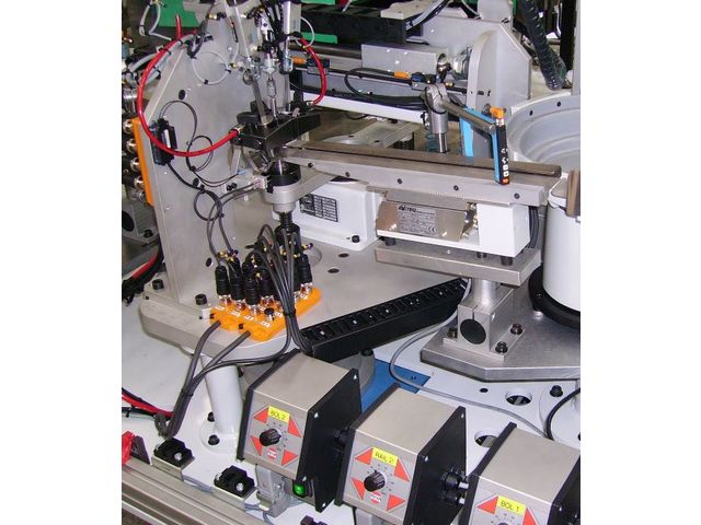 Automatic machines for assembly and control - Turnkey Assembly System