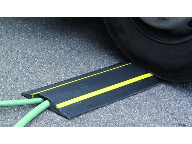 Cable protectors for vehicle crossing with YELLOW STRIPES : Volga - CABLE EQUIPEMENTS