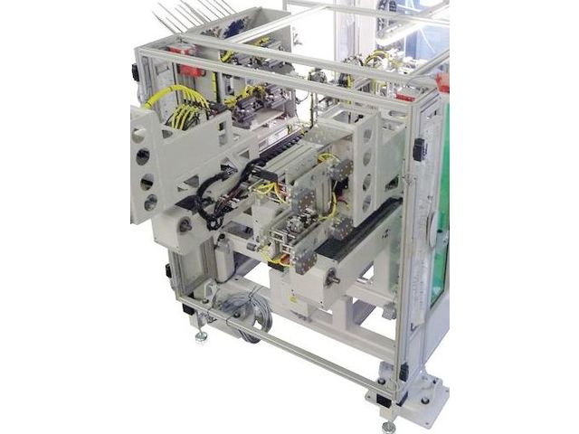 Label feeding system / automatic / for IML / for injection molding machines W837 TWIN  - Packaging machinery and equipment