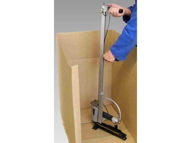 Nail gun for nailing carton onto wood TACKER N 200 ZH 16 pneumatic ...