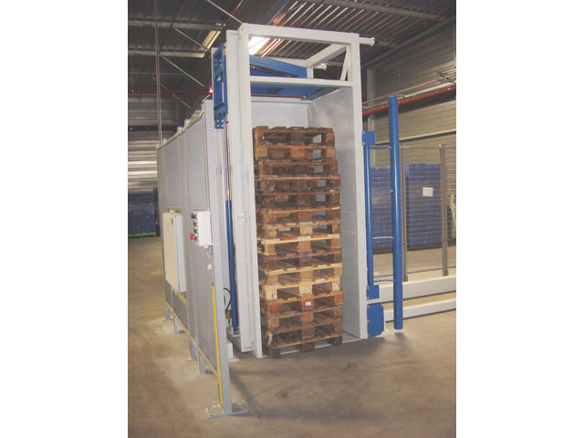 Pallet sorter - product presented by TRIAX