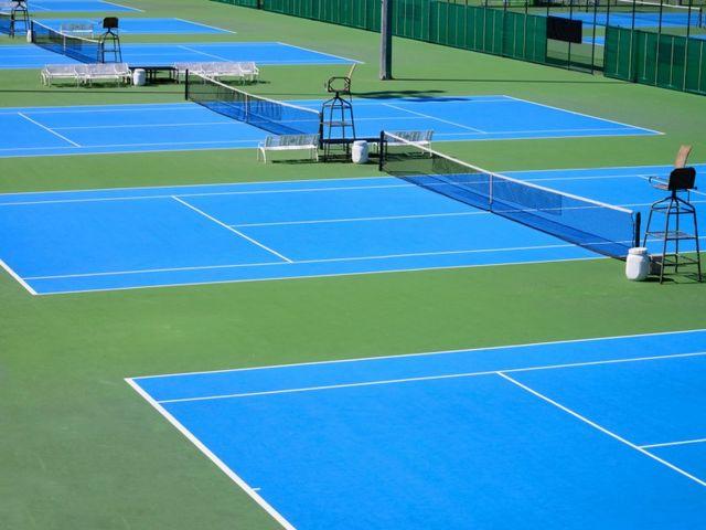 Tennis court paint | Contact ARCANE INDUSTRIES