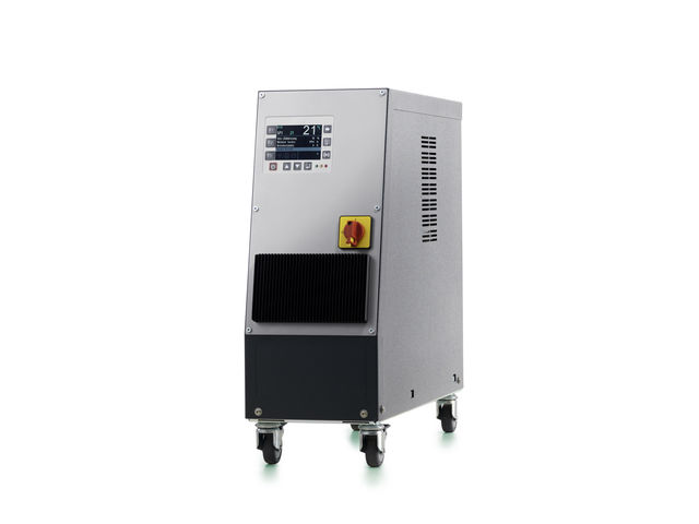 The temperature control unit for oil up to 150 °C and water up to 90 °C : 150smart