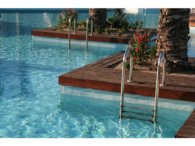 Two-component polyurethane swimming pool paint : UNIKOSOL PISCINE