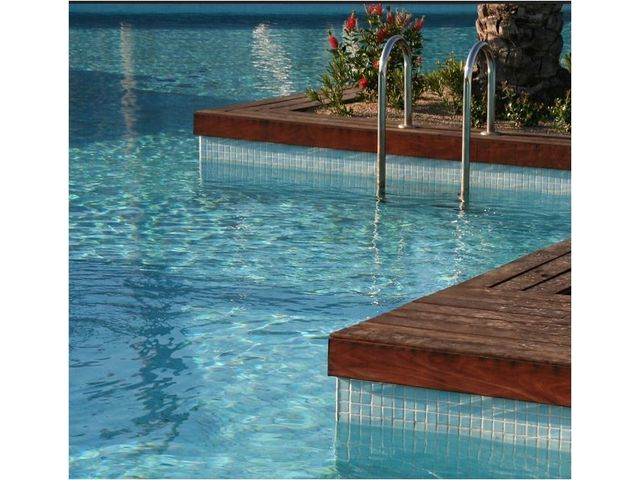 Two-component polyurethane swimming pool paint : UNIKOSOL PISCINE