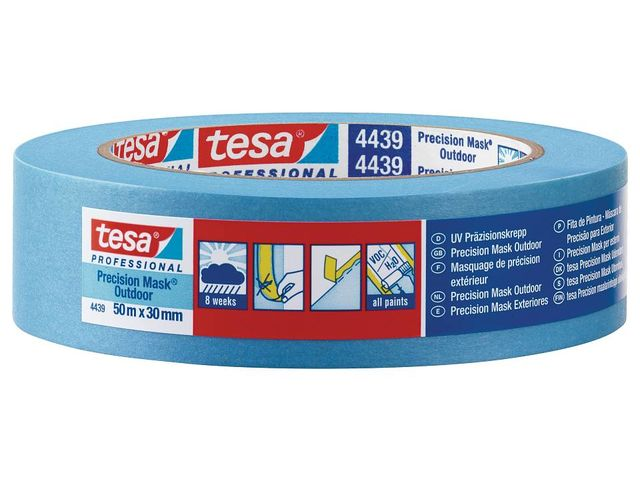 Waterproof masking tape for precise and flat paint edges outdoors ...