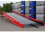 Hydraulic mobile yard ramp